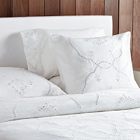 Things I Love Today: Embroidered Linens