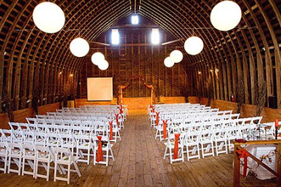 Wedding Wednesday: Red Barn Studios