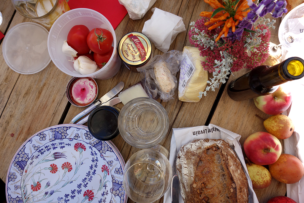 Supplies for a winery picnic