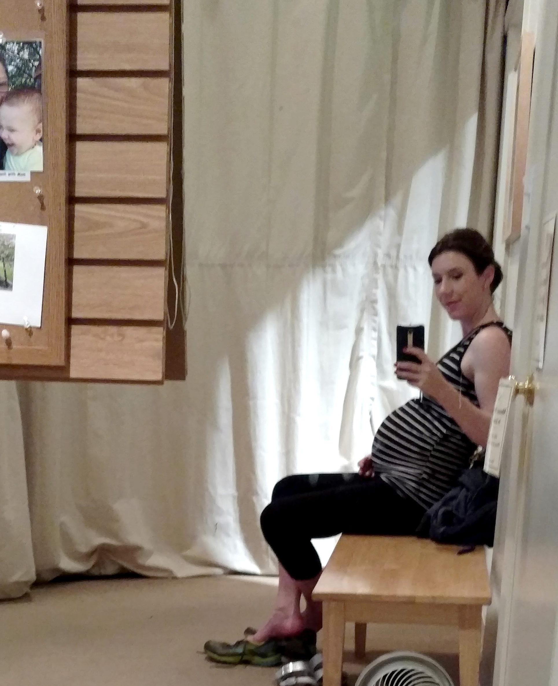 What to wear to prenatal yoga