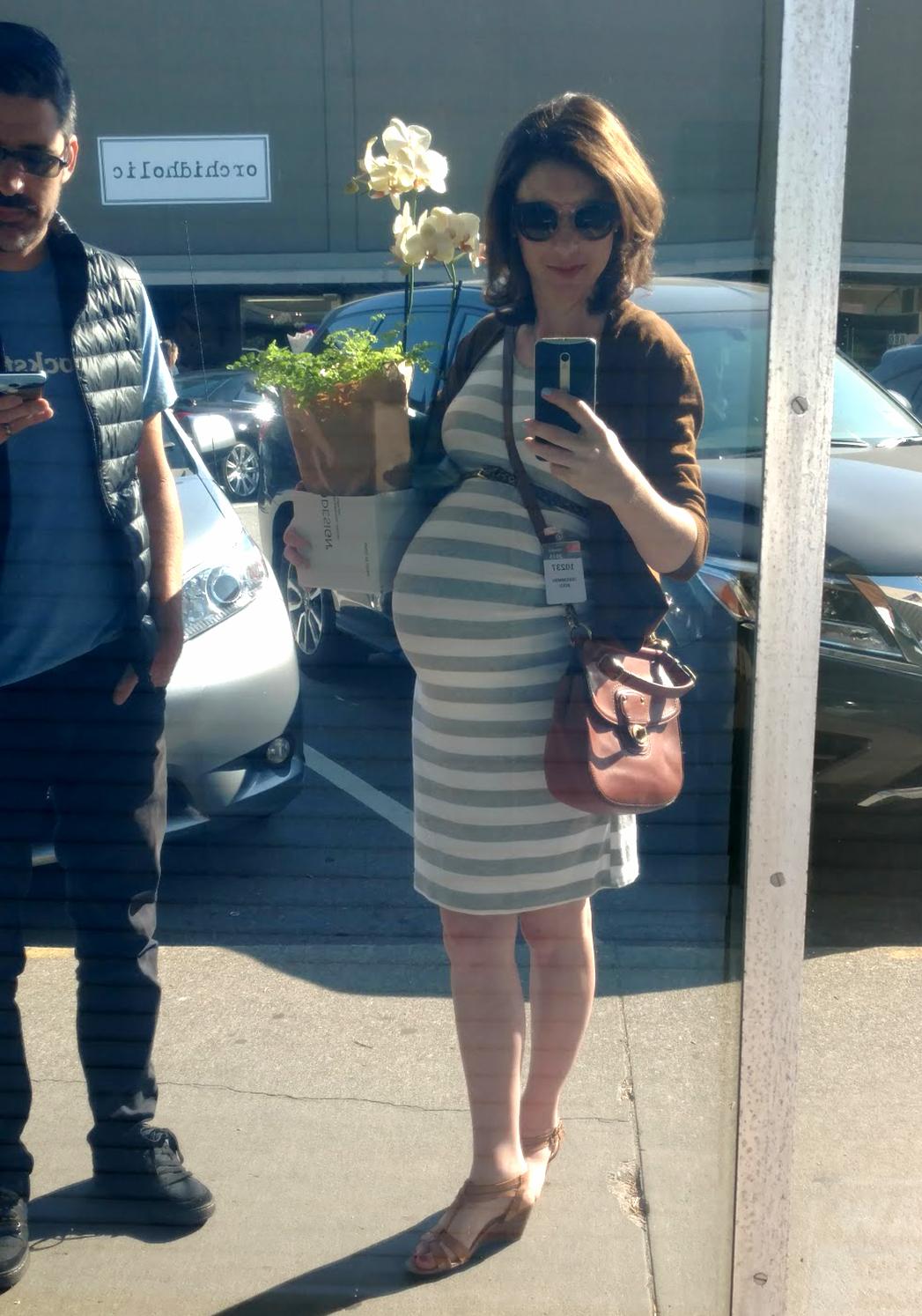 San Francisco 9 months pregnant