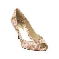 Things I love today: Peep toe kitten heels