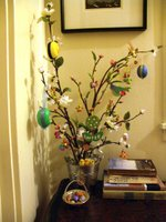 Crafty: The Easter tree is up!