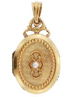 Obsession: Antique lockets