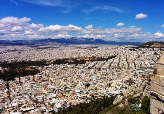 What to See, Eat and Wear for a Week in Athens in Spring