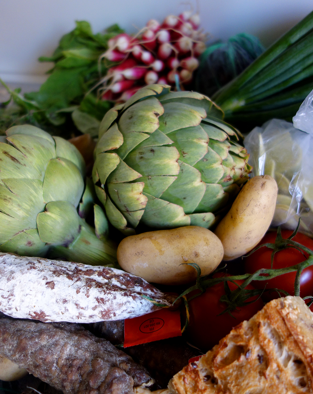 Artichokes, sausages and cheese from Annecy