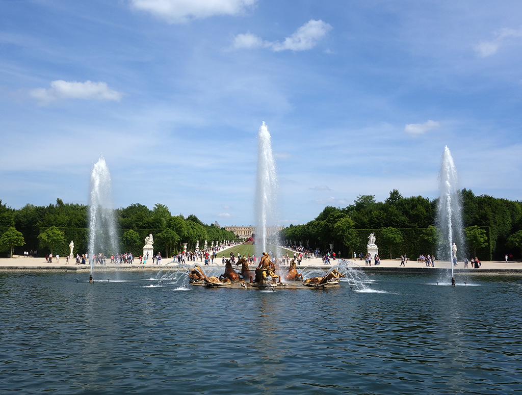 Summer fountain shows at Versailles