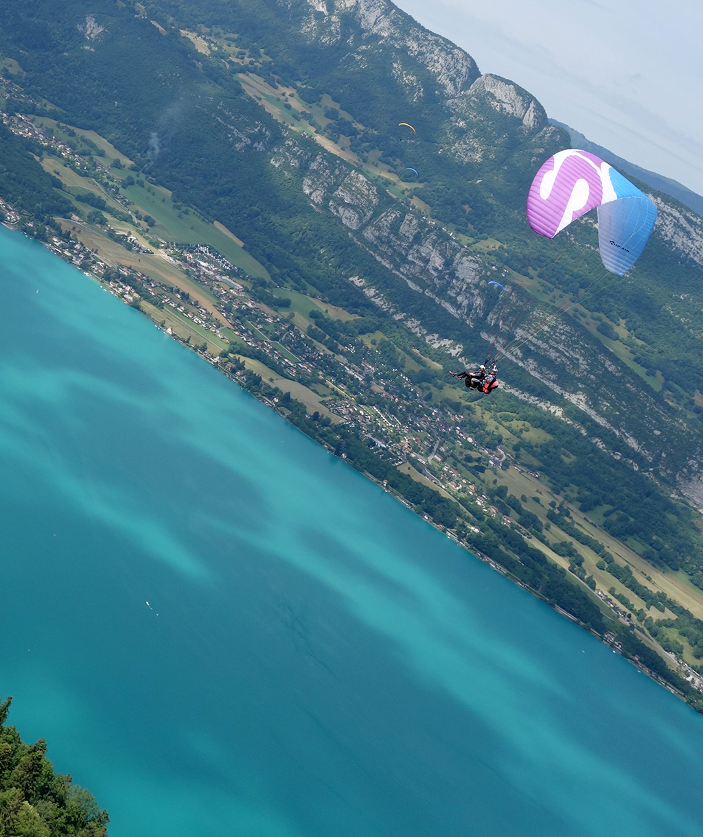 Rob doing Paragliding Tricks in France