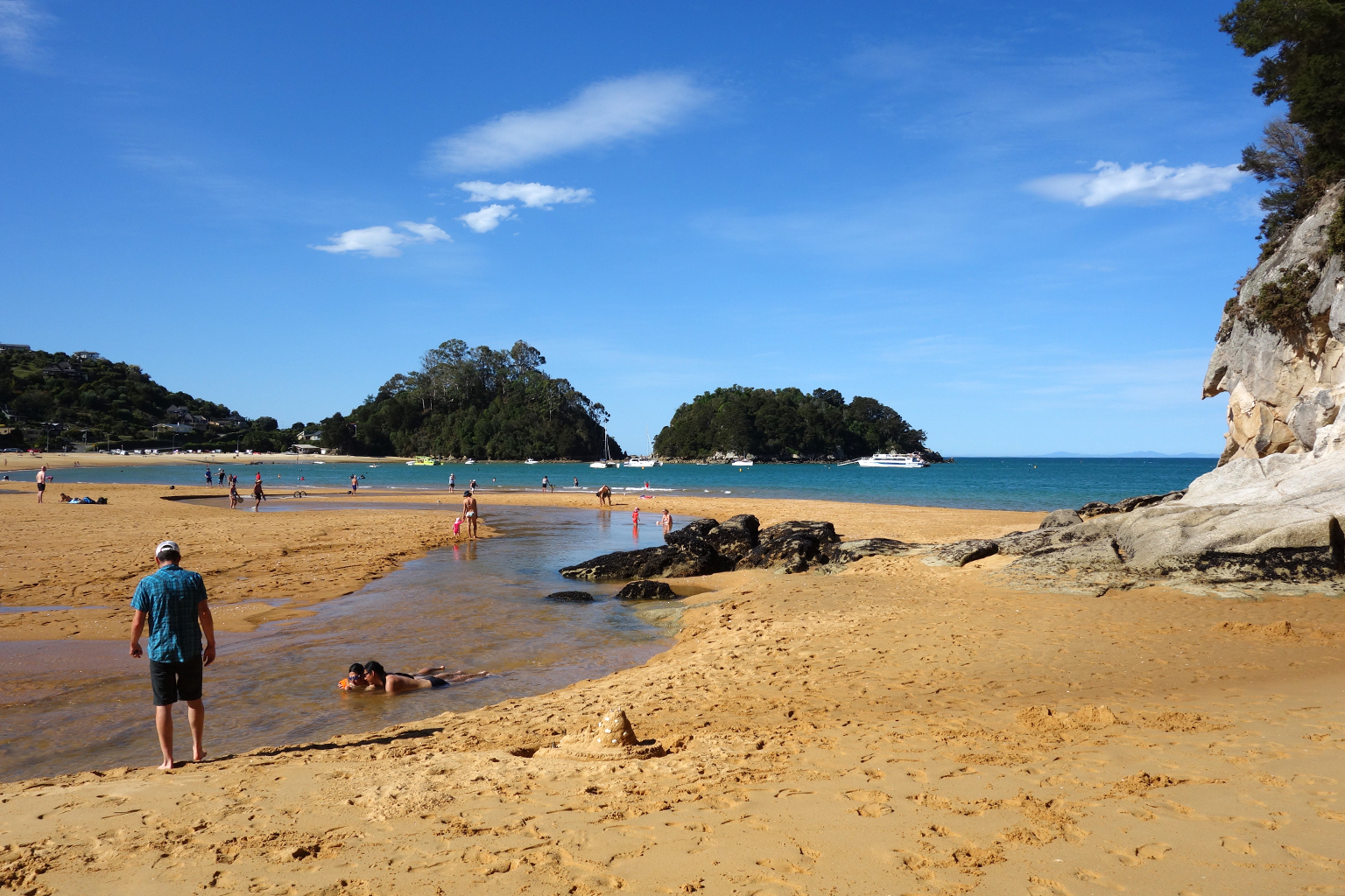 Kaiteriteri beach in New Zealand