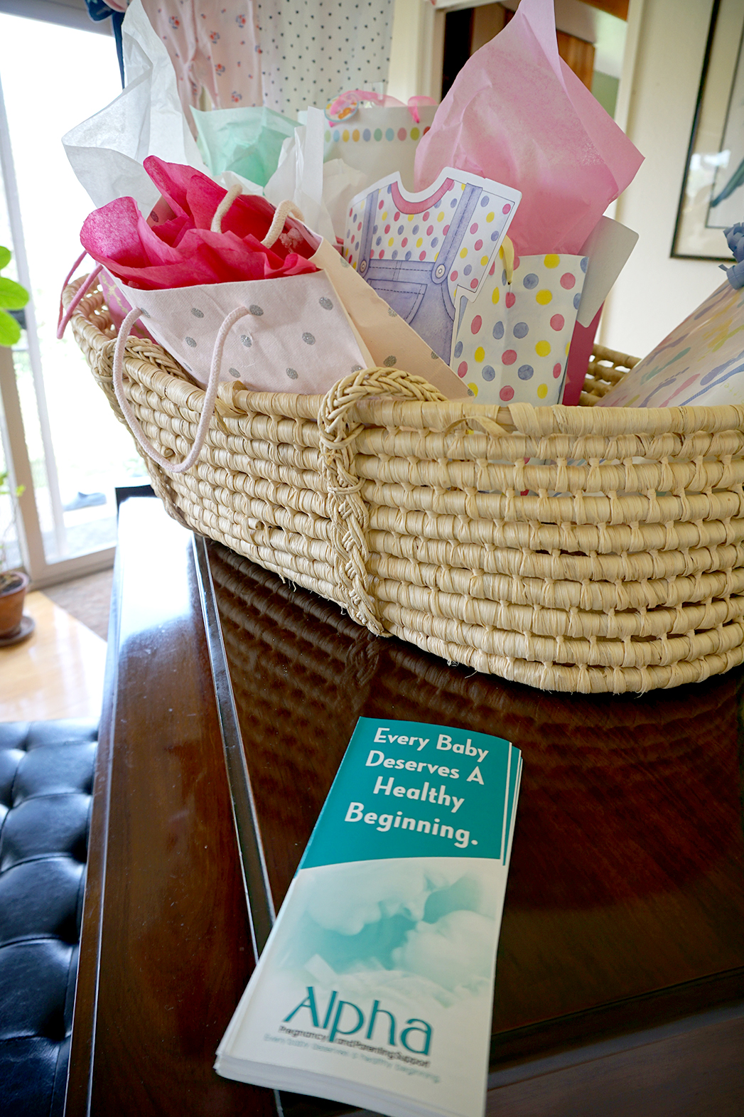 Moses basket to hold gifts