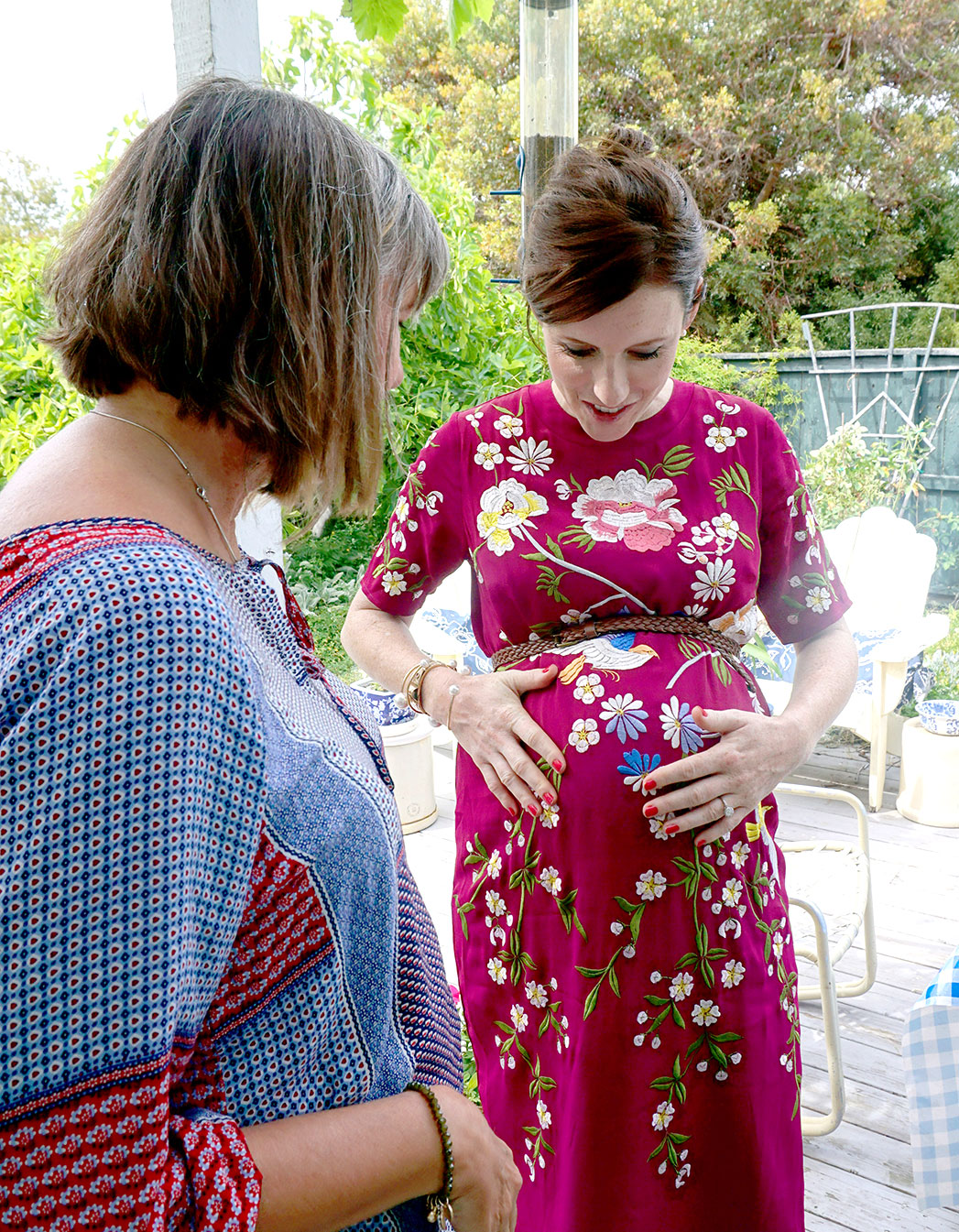 6 months pregnant